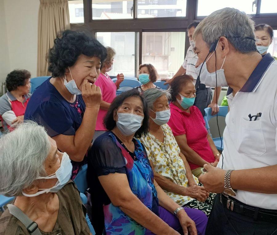 照護銀髮族的假牙 中臺科大與社區合作開辦「假牙照護」講座