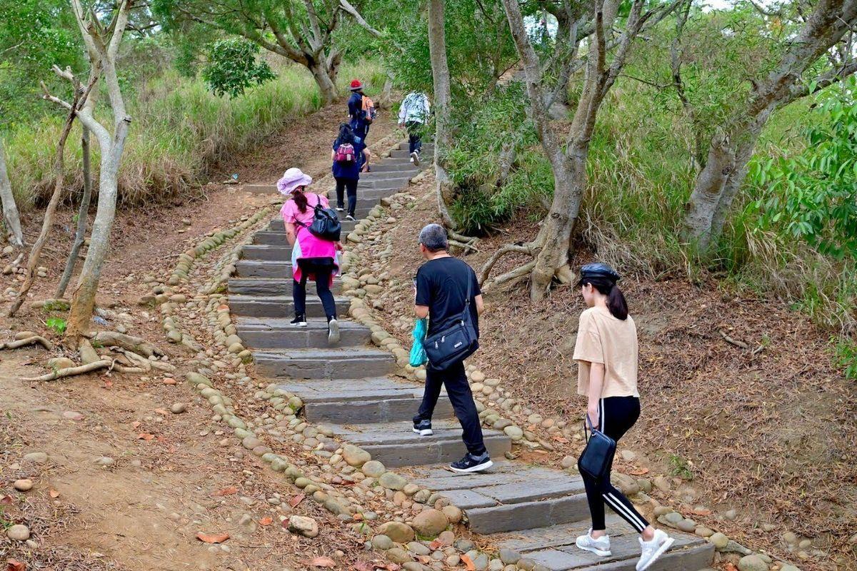 中市萬里長城登山步道因雨損壞 修復6個月終於完工