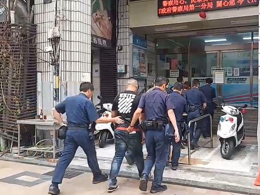 敬酒引發衝突 警方快打部隊逮人法辦