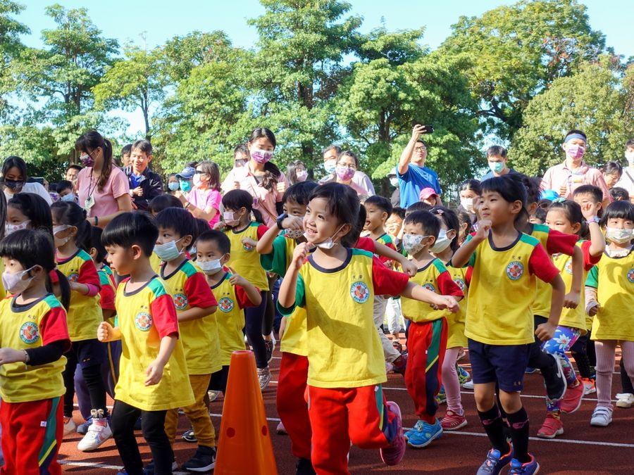 中台科大廍子非營利幼兒園舉辦首場親子運動會