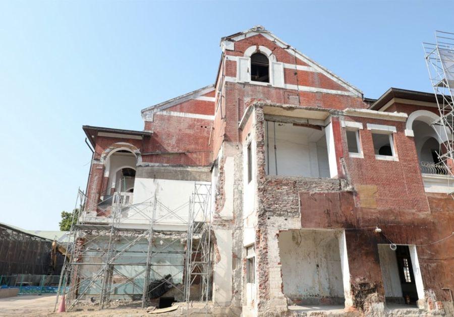 歷史古蹟「台中州廳」修復發現山牆與早期保險箱 成重要歷史見證