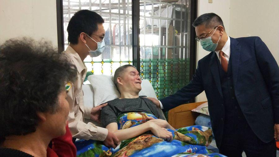 內政部長徐國勇到台中   關懷義務役受傷退伍人員