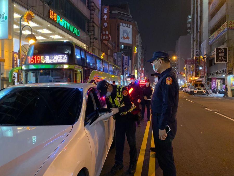 警一分局連假安城不休息 展開連續威力臨路檢