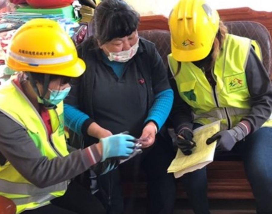 中市龍井清潔隊關心資收個體戶 主動到府載運回收物