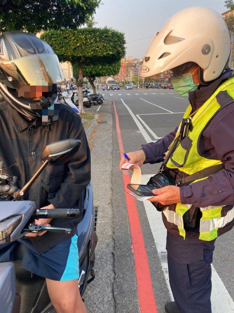 台中市警局推動交通違規電子舉發單 提升執法品質及效率