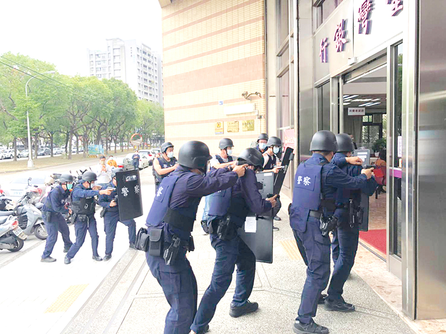 打擊暴力犯罪 警方端利器護治安