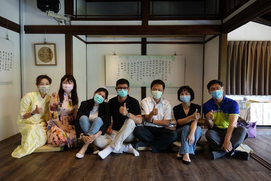 梁越「書法與詩的邂逅」  臺中文學館浪漫開展