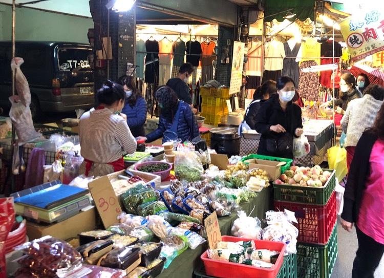 中市各賣場民生物資無缺 經發局持續查察確保供給情形