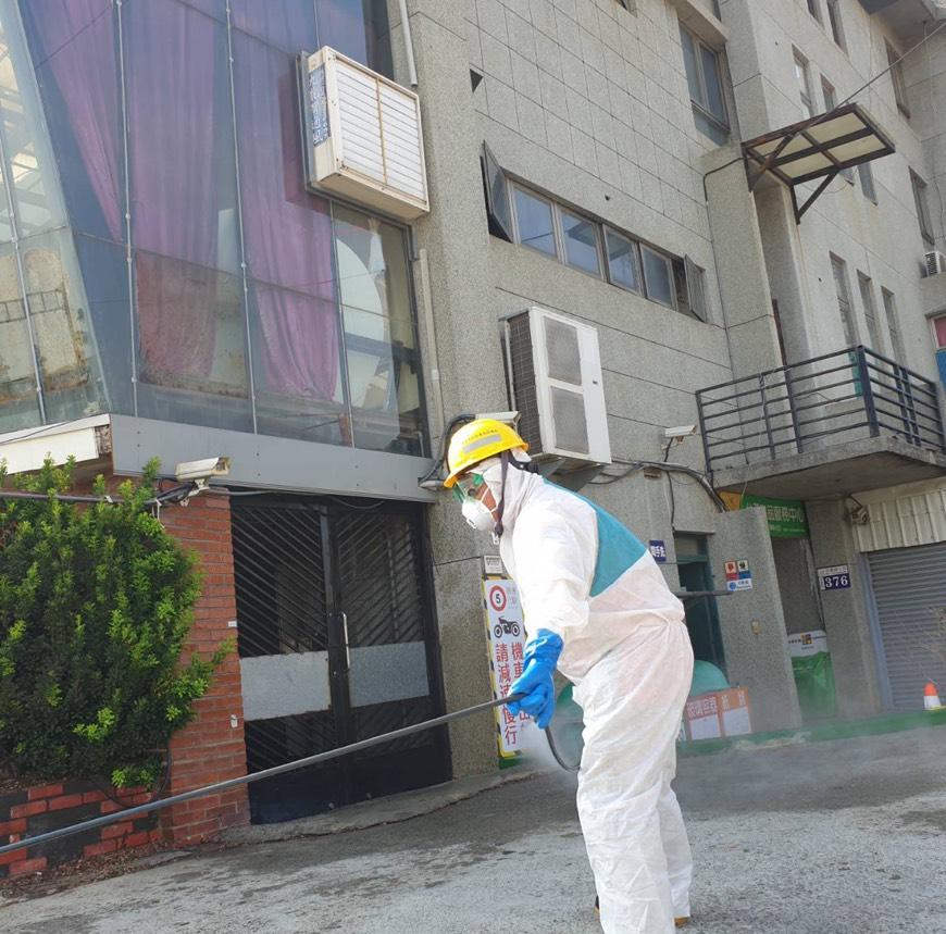 對抗疫情!中市環保局加強209處戶外公共環境消毒