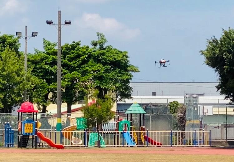 中市環保局啟動泰安國小無人機消毒