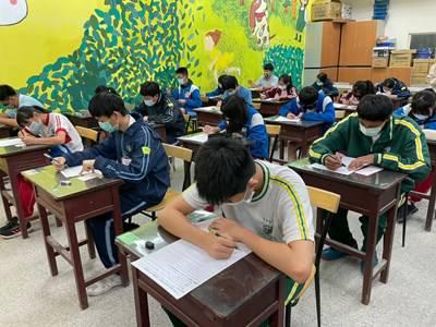 國中教育會考成績明公布 中市府設適性入學諮詢專線