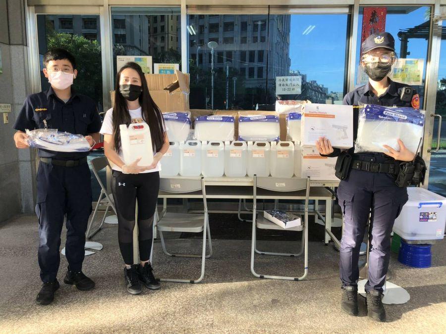 熱心民眾捐防疫物資 行動力挺波麗士大人