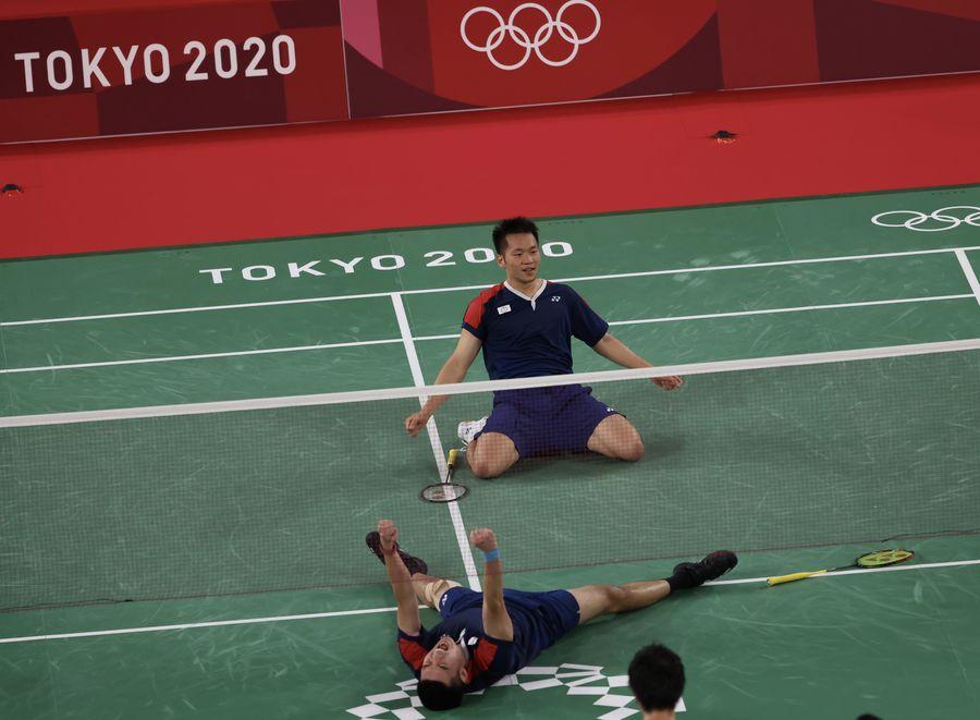 羽球男雙「麟洋配」為台灣奪金